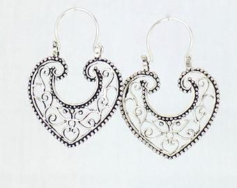CORAZONES - HEARTS - Mexican vintage style hoop earrings handmade in sterling silver