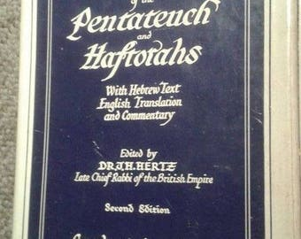 Pentateuch and Haftorahs 1960 Socino Edition Hebrew Text English Translation & Commentary