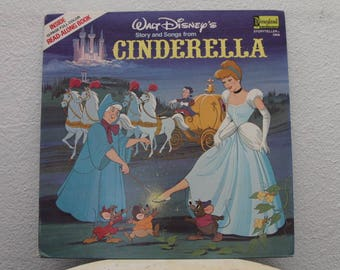 """Disney's - """"Cinderella"""" vinyl record w/ Fully illustrated 12 Page Read Along Book"""
