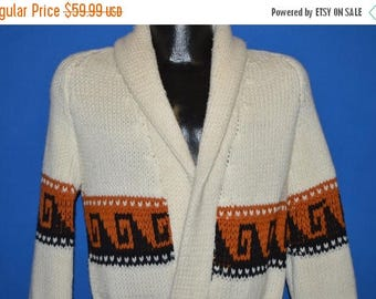 ON SALE 70s White Zig Zag Belted Robe Sweater Medium