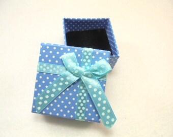 1 ring box, 5,1x5,1x3,1 cm, blue