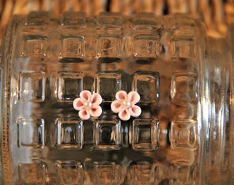 Mini Pink and Pearl Flower Stud Earrings!