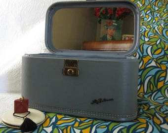 Lady Baltimore Blue Make Up Case, Vintage Ladies Luggage, Small Suitcase, Overnite Suitcase, 50's Luggage From Made Of Flaws