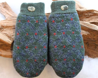Wool sweater mittens lined with fleece with Lake Superior rock buttons in green, blue, and red, Christmas, coworker gift, winter wedding