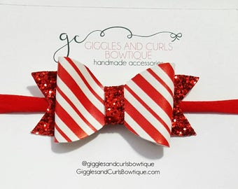 Christmas candy cane red and white hair bow -girls hair bows - toddler hair bows - 3 inch bows - 3 inch hair bows - girl bow - baby hair bow