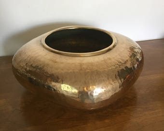 Large Vintage Hammered Brass Planter, Squarish with Rounded Corners, Solid Brass Container, Hosley International, Classic Hollywood Regency