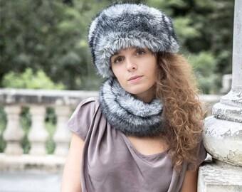 Bluish grey neck faux fur