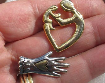 Retro Heart Hand Metal Lapel Pins