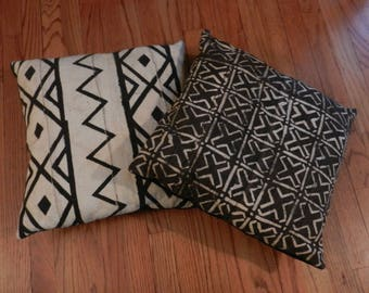 Sale 2 Vintage Mud Cloth Textile, Or Bogolanfini , Hand Woven/Dyed By Artisans In Mali, Africa & Transformed Into Pillows, Inserts Included