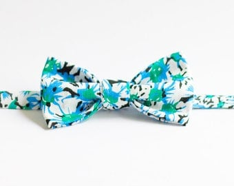 Handmade Bow Tie - Spring Daisies