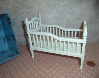 1:12 scale Dollhouse miniature white Victorian Crib