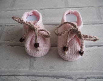 baby girl booties/baby boots/pink booties/baby shoes/baby slippers/baby shower gift/baby girl gift/bamboo booties/photo prop/christening.