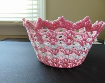 Mini basket--in pink and white