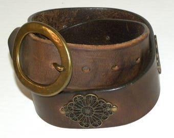 Vintage GAP 90s Leather Belt / Filagree Conchos Thick Leather Gypsy Boho Chic Belt / Vintage size 28 fits S