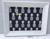 Babillard aimanté recouvert tissu ananas en noir et blanc tropic organisation mémo photos décor mural tableau d'affichage à aimants bureau