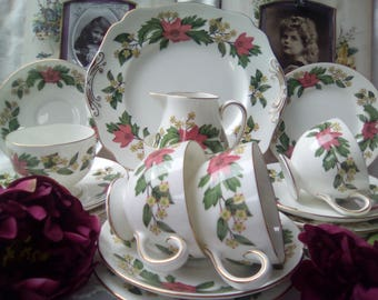 Vintage Wedgwood China Tea set for 4