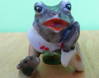Adorable 1940's Fairy Garden Gossiping Frog Occupied Japan Figurine - Free Shipping