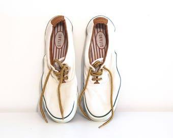 Vintage 80s canvas shoes tennis skid grip boat preppy