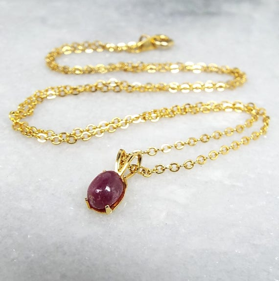 Vintage / 18ct Yellow Gold Plated Dainty Ruby Gemstone Pendant Necklace Chain