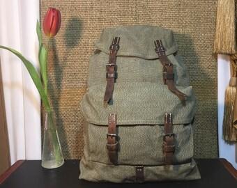 Vintage 1955's Green Grey Salt And Peper Swiss Army Canvas Drawstring Backpack Rucksack Medium Size