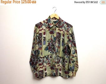 ON SALE Vintage 1980s Green Red Silk Shirt Silk Blouse Womens Long Sleeves Blouse Floral Print Blouse Buttons Up Top Large to Extra Large Si
