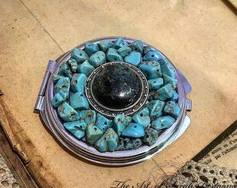 Miroir de poche en Chrysocolle et Turquoises.