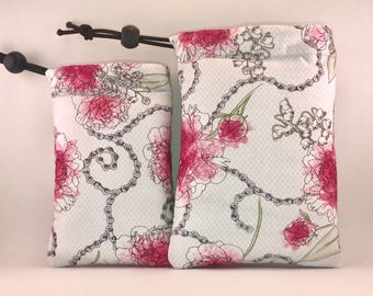 FREE SHIPPING - Padded pipe pouch - 420- Pink flowers & Chains - Black Felt Inside
