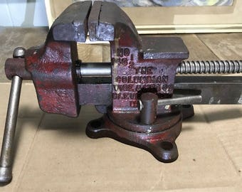 """Antique Columbian Bench Vise No.143 1/2 With Swivel Base, 3 1/2"""" Jaw"""