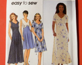 Simplicity 8504 Easy to sew dress pattern Uncut Sizes 14, 16 and 18