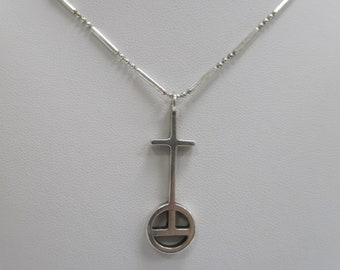 Sterling Silver Christian Cross and Orb W #713