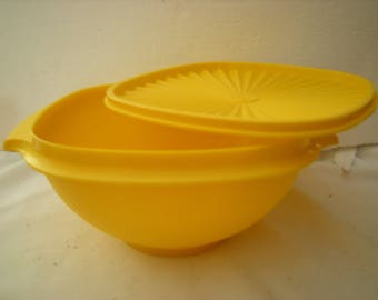 vtge tupperware bowl-bowl #838-bright yellow-sunburst lid-bowl with lid-kitchen and dining-house ware-storage-like new-retro-