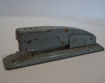 Vintage Swingline 400 Stapler Gray-Good Working Condition & 2 Vintage Boxes of Staples