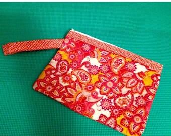 Quilted Wristlet, Wristlet, Girl's Wristlet, Women's Wristlet, Small Handbag, Zippered Bag, Cosmetic Bag, Girl's Bag, Quilted Bag