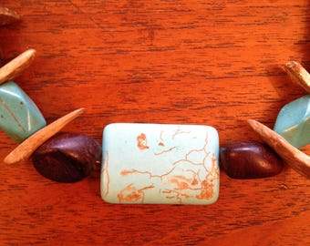 Wood and Magnesite Necklace Set