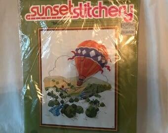 D107 Sunset Stitchery Balloon Ruth Houseworth embroidery set 14 x 18