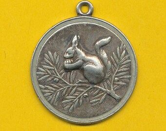 Vintage silvered charm medal pendant representing  a squirrel (ref 0845)