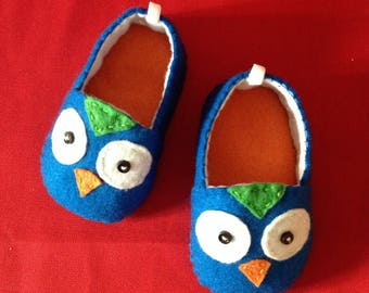 baby shoes. felt baby shoes. kids shoes. hand made baby shoes.