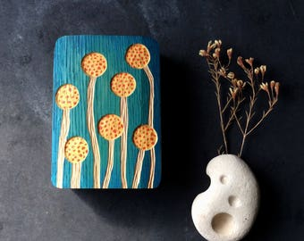 DRUMSTICK, WOOD RELIEF flowers in oak