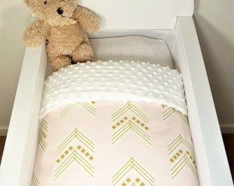 Bassinet quilt OR Bassinet and fitted sheet set - Soft pink with gold arrows AND white minky