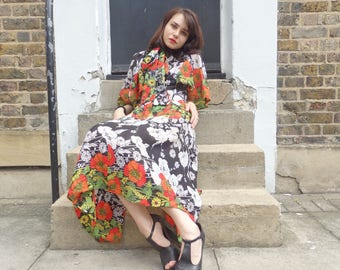 Authentic vintage ladies tye bow floral dress