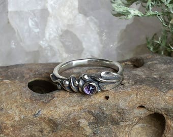 Bindweed Leaf Wound Ring with an Amethyst