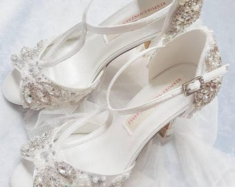 Bridal shoes, peep toe shoes, vintage shoes,bridal shoes, ivory shoes,wedding, bride shoes, crystal shoes,pearls, shoes,