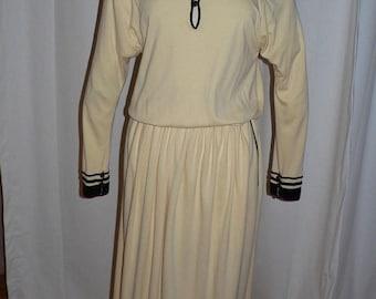 ON SALE 1970's-80s Vintage Designer Chloe Dress Soft Yellow Jersey Size 44 - 14