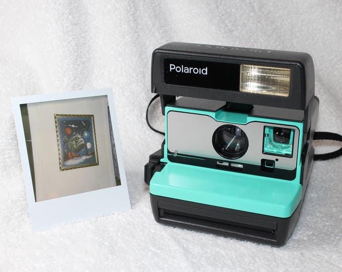 Retro Green and Brushed Silver Front Polaroid 600 OneStep With Close Up And Flash Built-In
