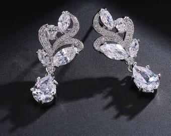 Delicate Crystal Dangle Earrings, Bridal Earrings, Cubic Zirconia Earrings wedding earrings crystal dangle earrings bridal cubic zirconia