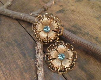 Vintage Gold Tone Filigree Floral Blue Rhinestone Clip Earrings