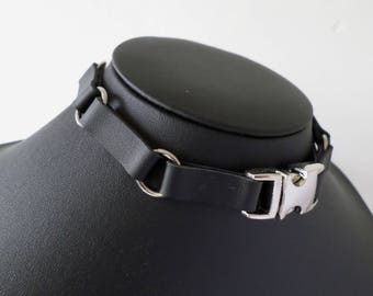 PU Leather Cyber Industrial Gothic Buckle Choker - Faux Leather Collar with Clasp and Buckle Fastening