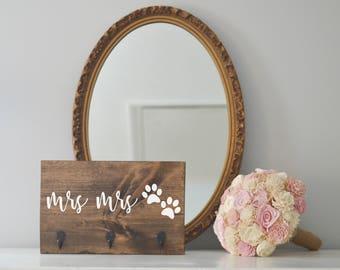 Mrs and Mrs Key Holder and Dog Leash Holder, Entryway Organizer, Key Organizer, Wedding Gift, Housewarming Gift, Key Hooks, Leash Holder