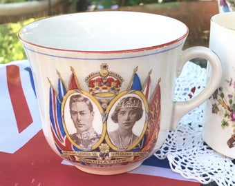 British Royal Commemorative Paragon Star Beaker Cup - King George V Queen Mary Crowned June 1911 - BW Portraits with Coloured Flags Crest