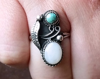 Native American Mother of Pearl + Papoose Turquoise + Sterling Silver Ring Size 8